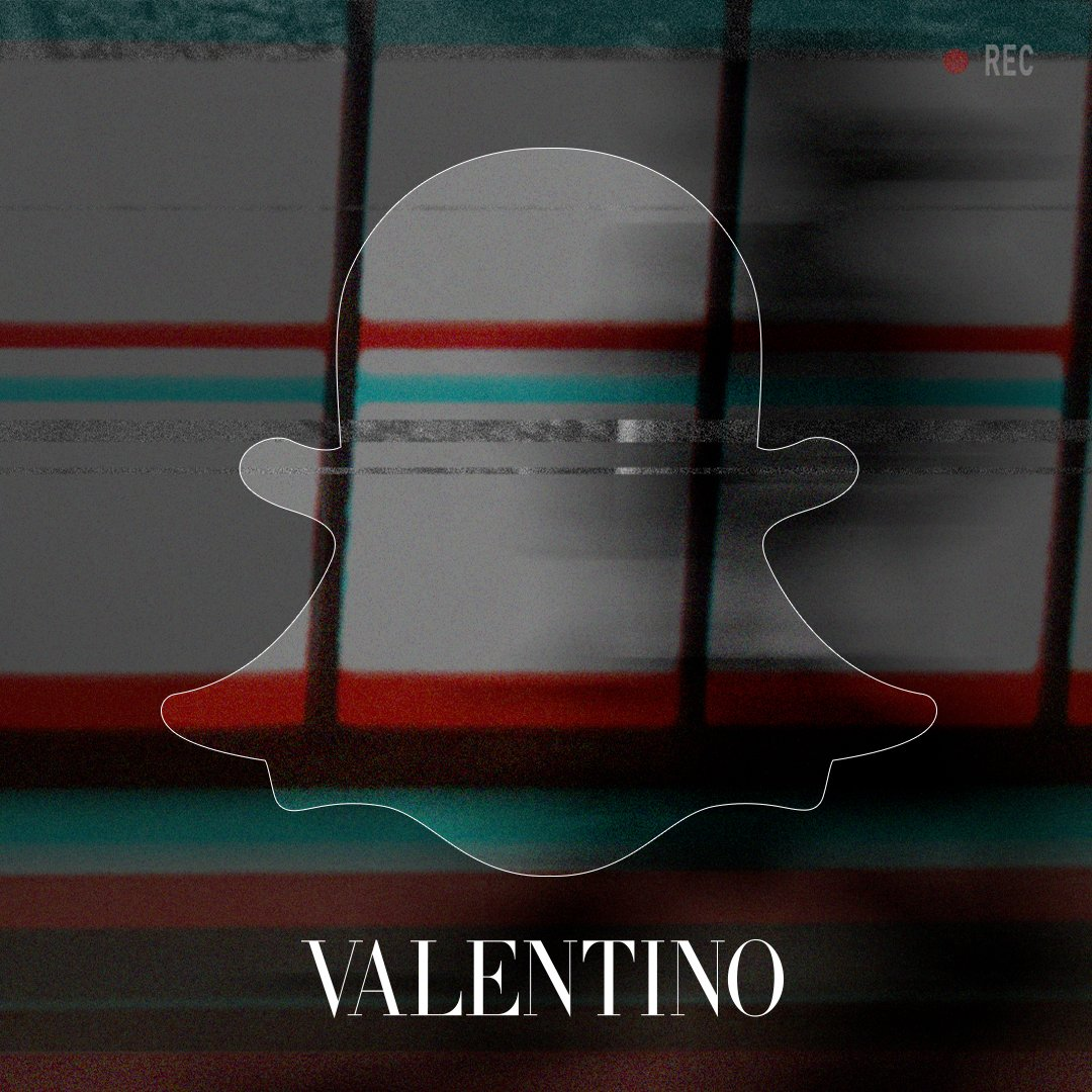 Follow us on Snapchat maisonvalentino as the great @DwyaneWade takes over our account for the #ValentinoMenSS18 Show https://t.co/OC0WvtPTTq