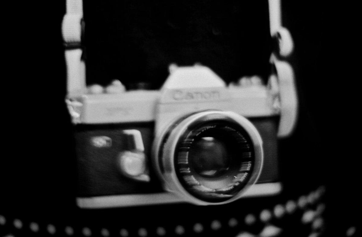 Photographers — take a black & white photo, then post it here: https://t.co/oKaBwzmsCD ???? https://t.co/0x9TBEaZvA