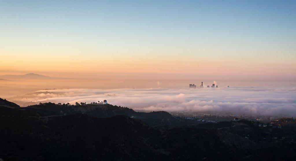 #LA sunrise  https://t.co/T4YXqNSfSA https://t.co/bdWTeDhL72