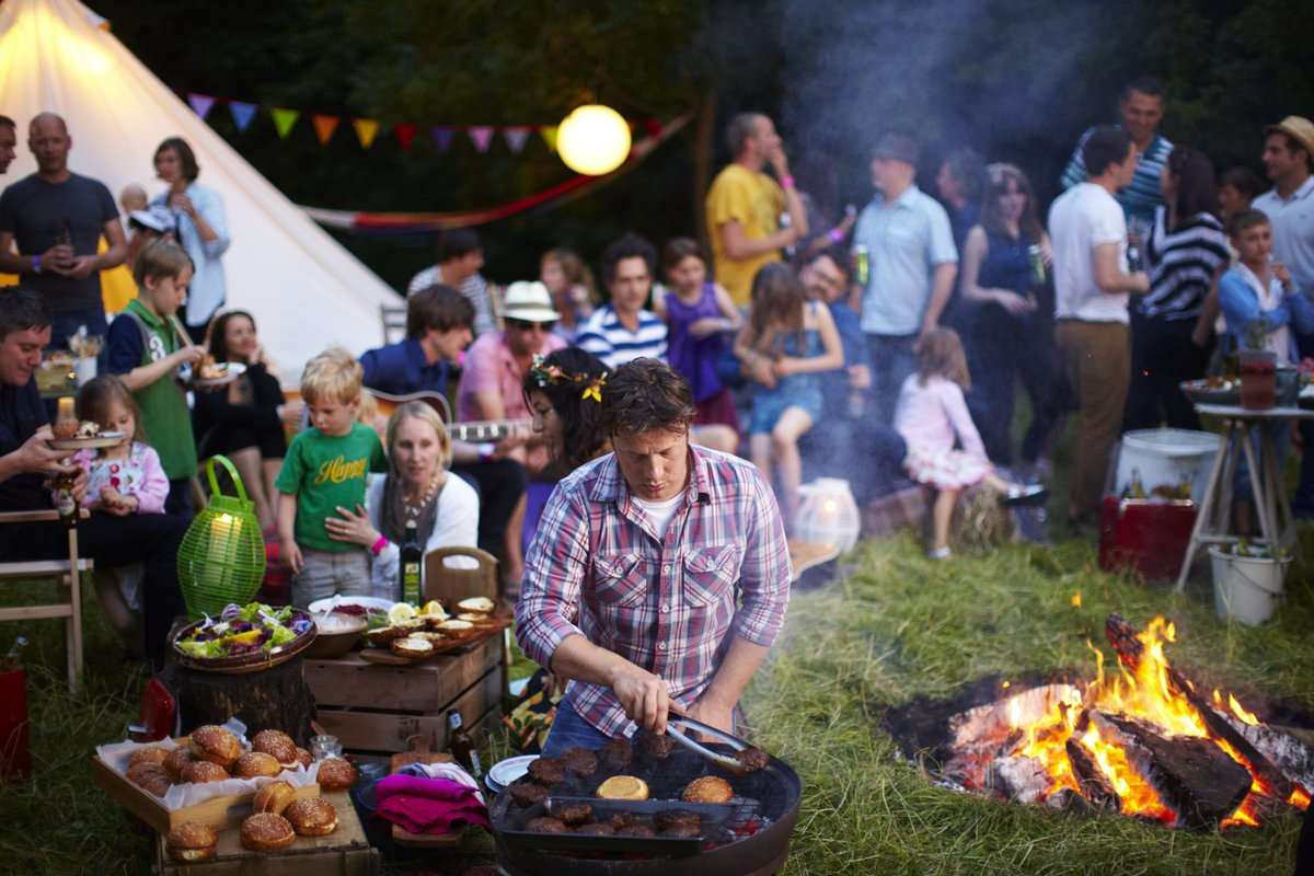 What foods do you cook yourselves when at a #festival? ????Here are some of our top picks: https://t.co/EpPIVAcXQR https://t.co/GQmTFCtHWO