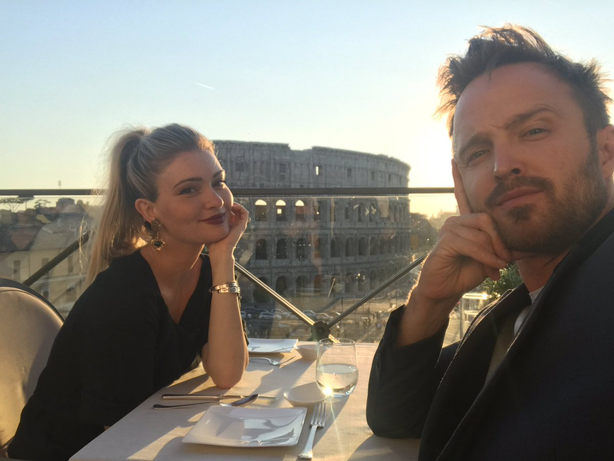 Date night with this pretty little bird. I love you Italy. I will miss you. ???? https://t.co/liDvkEnqxa