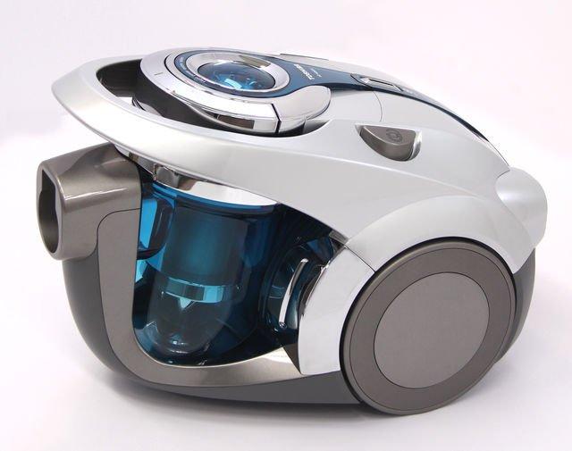 【暴走】その昔、ジオラマ作家になる前はある家電メーカーの家電製品のデザイナーだったのだが、その際にデザインしたクリーナー