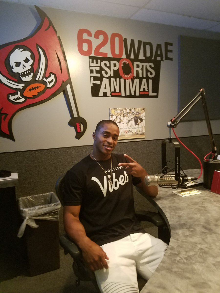 RT @Reynolds_Sports: Thanks to @620wdae for having @RaysBaseball Mallex Smith in studio today. #MallexEffect https://t.co/jx1TsWOdXw