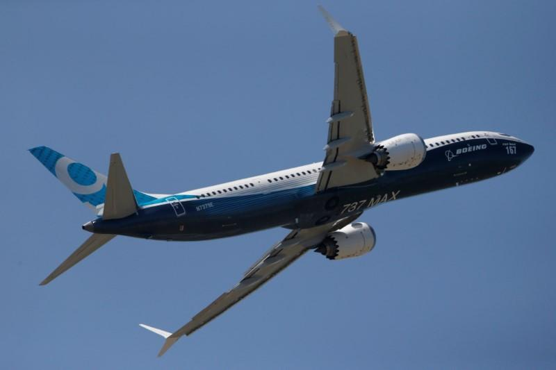 Boeing wins hot Paris order race