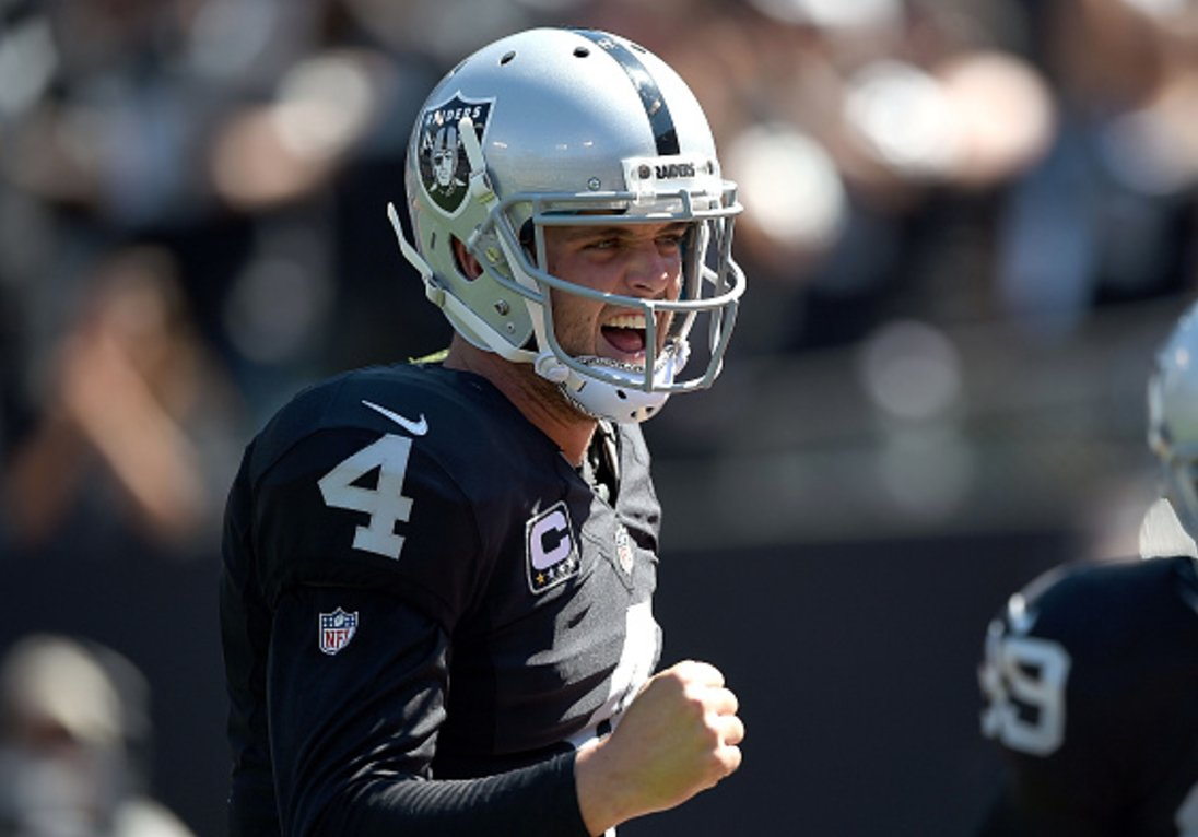 Breaking Raiders make QB Derek Carr highest paid player in NFL history with 5-year/$125M extension, per @Rapsheet