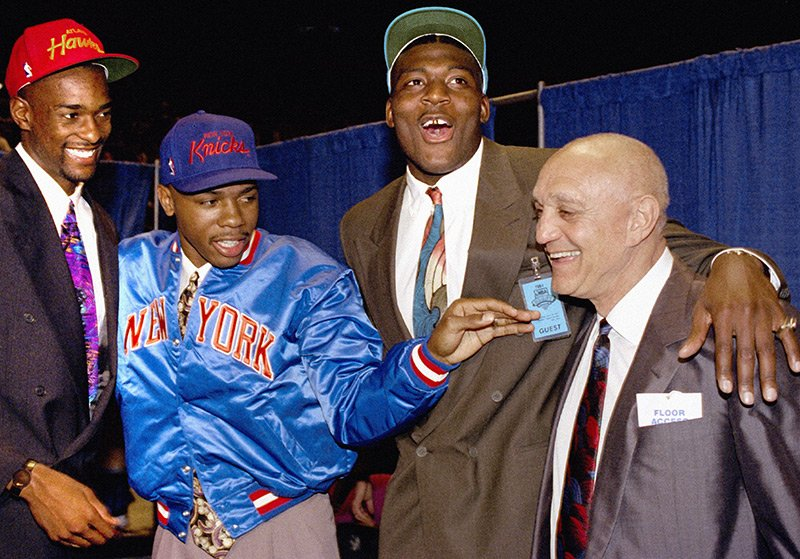 Jerry Tarkanian poses with Stacey Augmon, Greg Anthony and Larry Johnson during the 1991 NBA Draft. https://t.co/HLfhiBXzGs