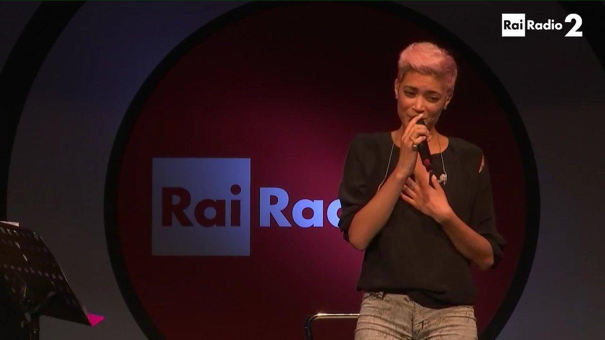 #Radio2Live