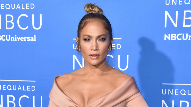 Jennifer Lopez (@JLo) will star in and produce the romantic comedy SecondAct.