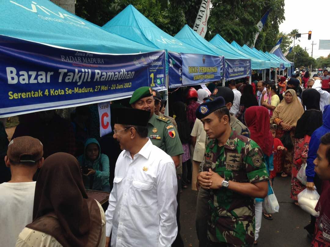 Kasdim 0829 Bangkalan Hadiri Pembukaan Pasar Murah https://t.co/9NhCCQ8MEt https://t.co/LDX9I8ys7G