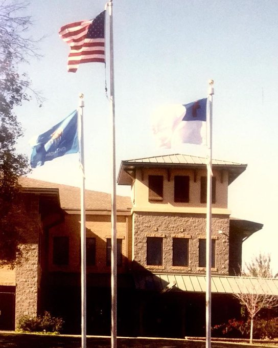 #Tulsa #Oklahoma #ChristianFlag Display #InternalWinch #Flagpoles #EagleScout #EagleOrnament #RotatingTruck #USFlag https://t.co/68jNLZKgoG https://t.co/J1ummiSW6P