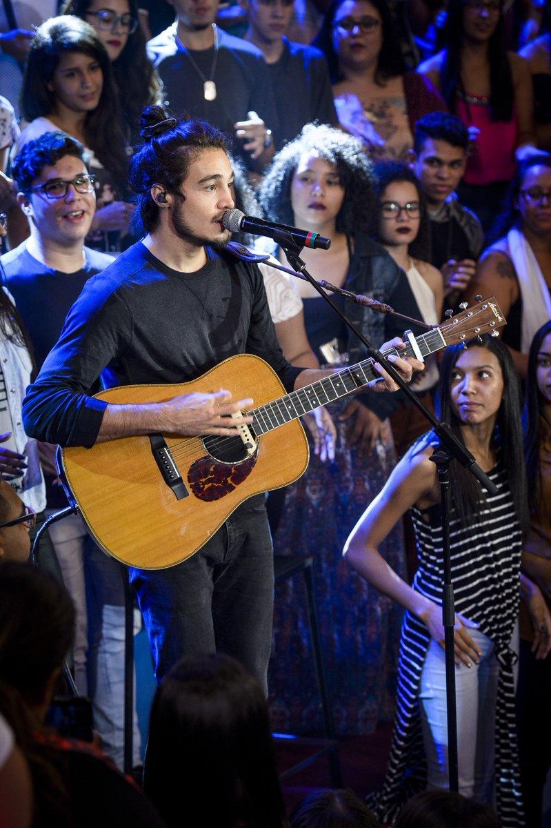 Vem cantar junto com @tiagoiorc, @WanessaCamargo e @nxzerooficial no #AltasHoras! 🎤🎼 https://t.co/clwU5kGxHE
