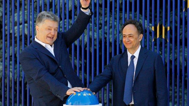 Ukrainians cheer on first day of visa-free EU travel