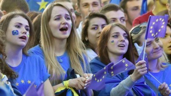 Ukraine hails visa-free travel to European Union