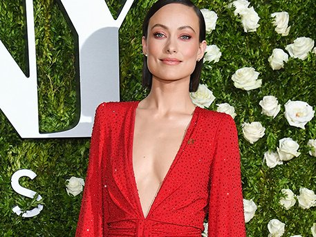 RT @PPact: .@oliviawilde tops off her gorgeous #TonyAwards2017 look with support for women's rights. https://t.co/dDruGXLeaR