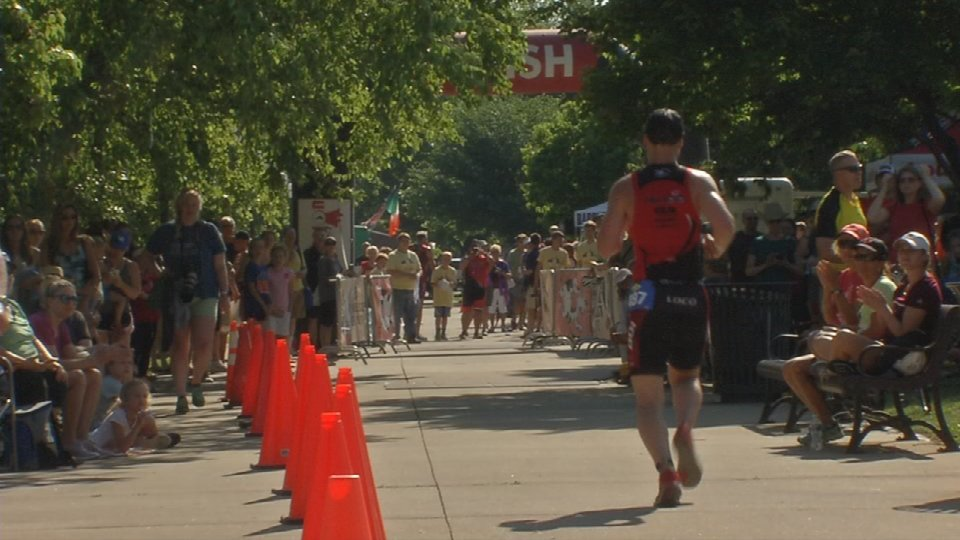 Athletes come out in hundreds to compete in Tri Louisville triathlon