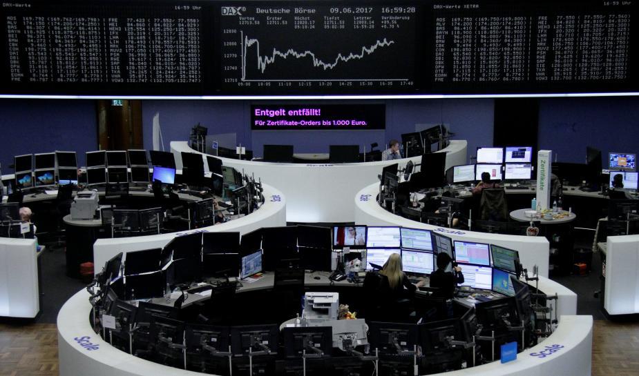 Tech slump gives European shares the Monday blues