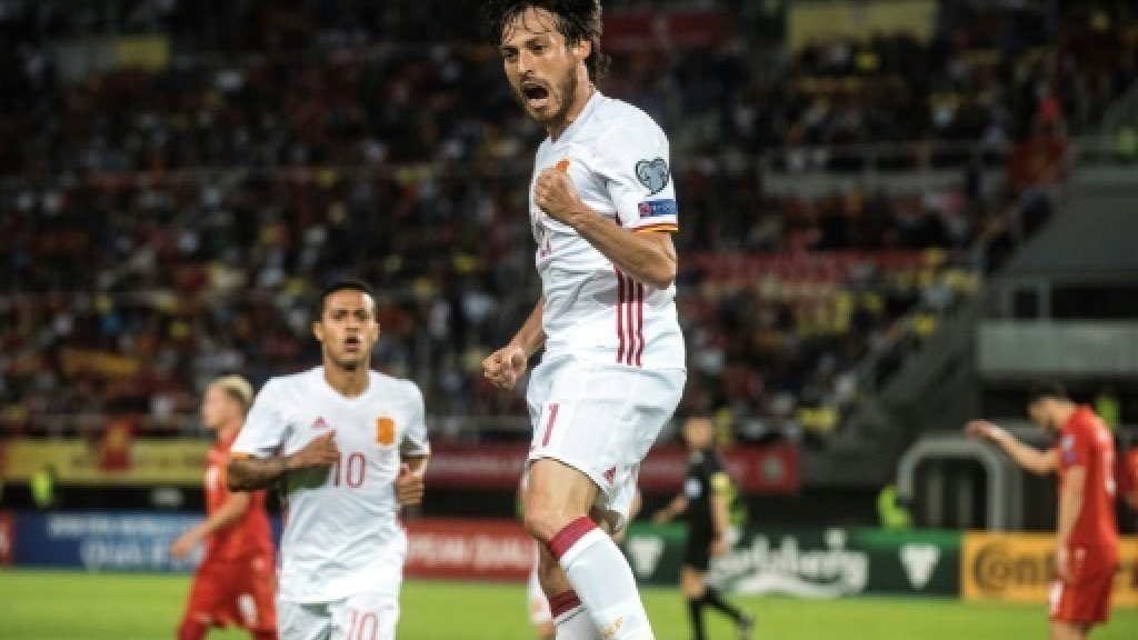 Silva, Costa keep Spain in front of Italy