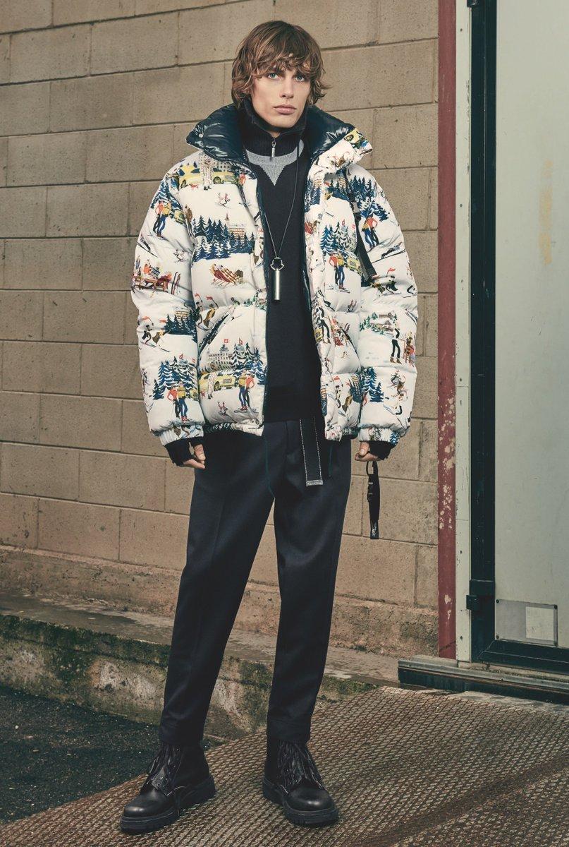 Moncler 2017/18年秋冬コレクション。 マウンテンリゾートをモチーフにしたプリントは パリのアーティストJean-Philippe Delhommeにより描かれたのも。 #Moncler #FW17 https://t.co/WwJGfkGG00
