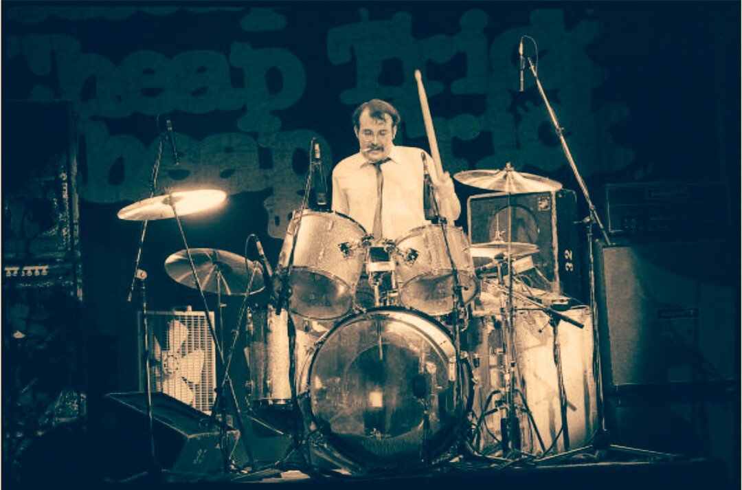 Happy Birthday Bun E. Carlos !! Cheap Trick - Goodnight Now (   )