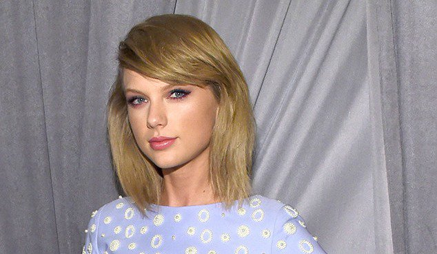 Taylor Swift took the top spot on Forbes' list of 2017's highest paid entertainers.
