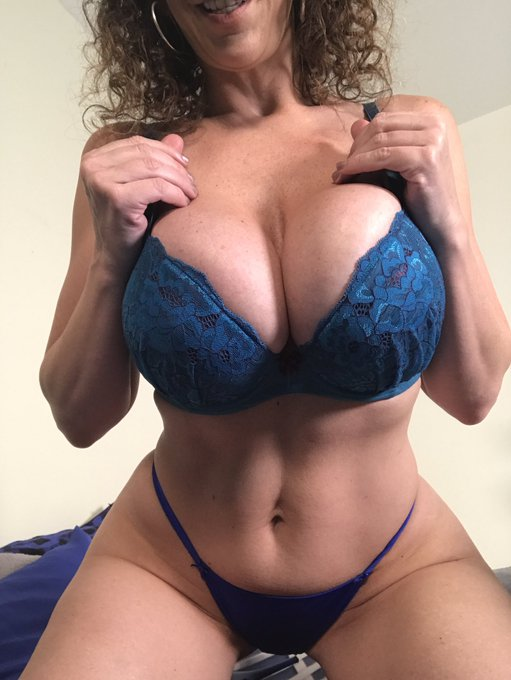 2 pic. You know I'm available today for #Skype ⁉️ email sarajaylive@gmail.com for details https://t.