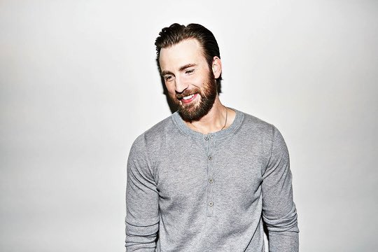 IT\S CHRIS EVANS\ BIRTHDAY!!!!! Happy 36th you beautiful man I love you