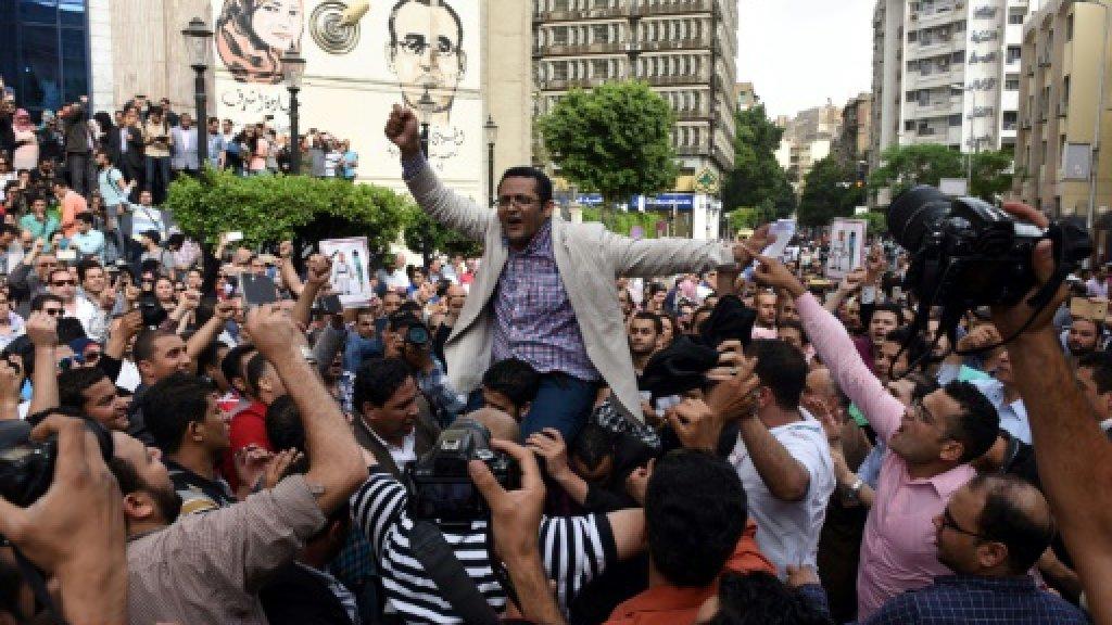 Egypt blocks more internet sites