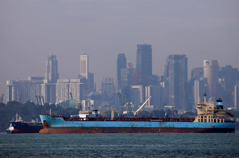 Traders keep oil in Asian storage for later sale, undermine OPEC supply cuts