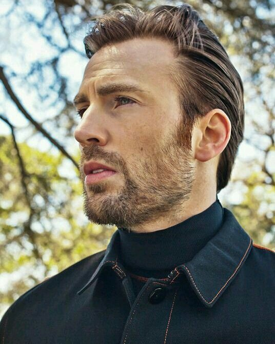Happy Birthday my ultimate daddy, Chris Evans