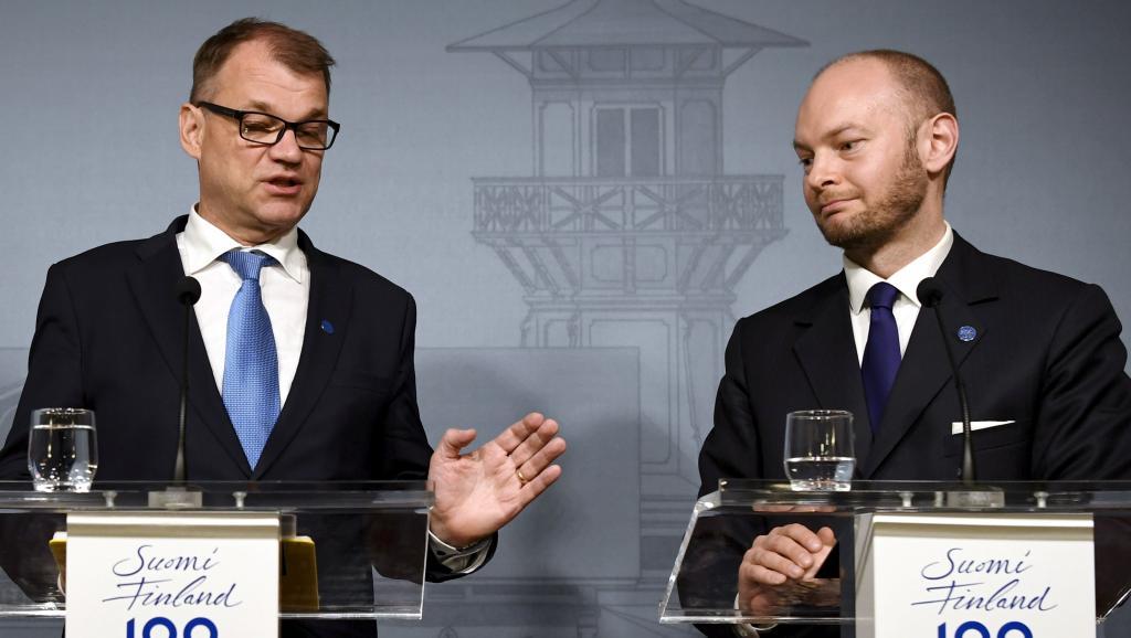 Finlande: crise politique évitée, l'extrême droite implose https://t.co/FN6zmSOSnd https://t.co/qo77SSx2a4