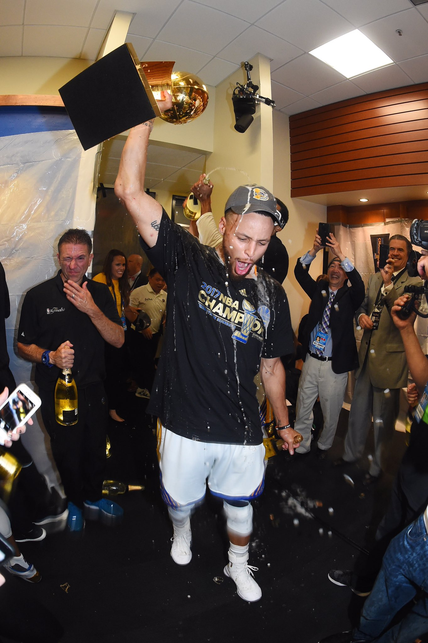 Champagne celebrations!  ������ #ThisIsWhyWePlay https://t.co/eUOV1MooTi