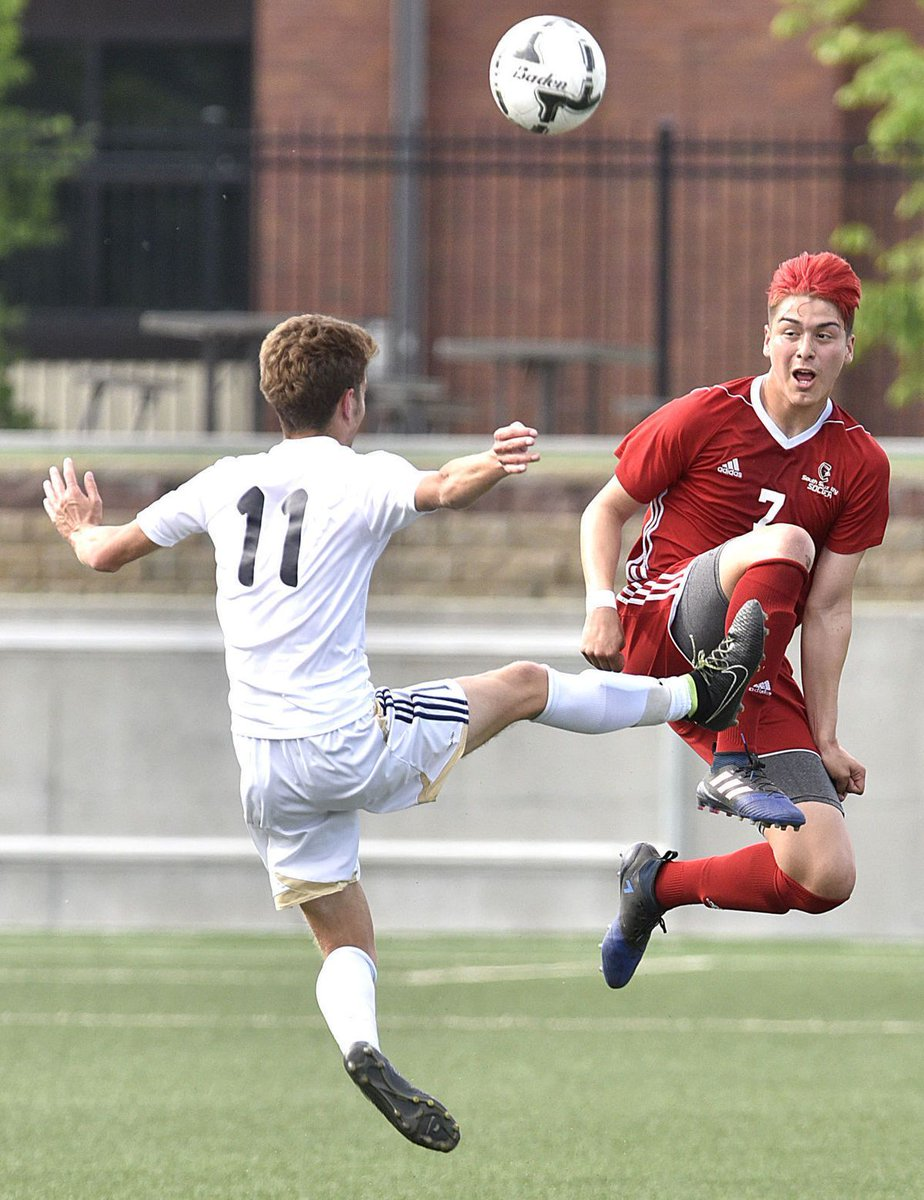SOCCER: Arellano's physical, determined play sets tone for South Sioux