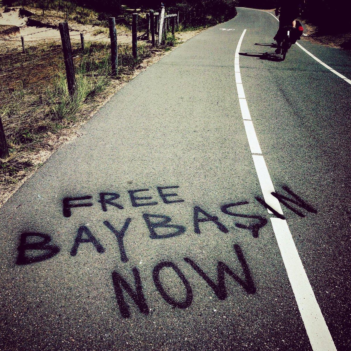 RT @Passetti: Ergens op een zonovergoten fietspad naar het strand in Wassenaar #Baybaşin #koerd #criminaliteit https://t.co/uiB0mI3rmR