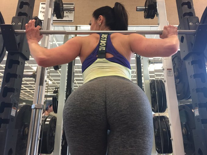 It's #Humpday #Isquat #gym #lifetimefitness #booty #LustArmy https://t.co/P7Gsq84uui