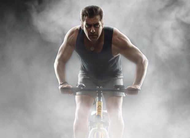 test Twitter Media - WOW! @BeingSalmanKhan goes cycling on the streets of Mumbai and surprises his fans https://t.co/7CVImcPe8w https://t.co/WarlLOEZXb