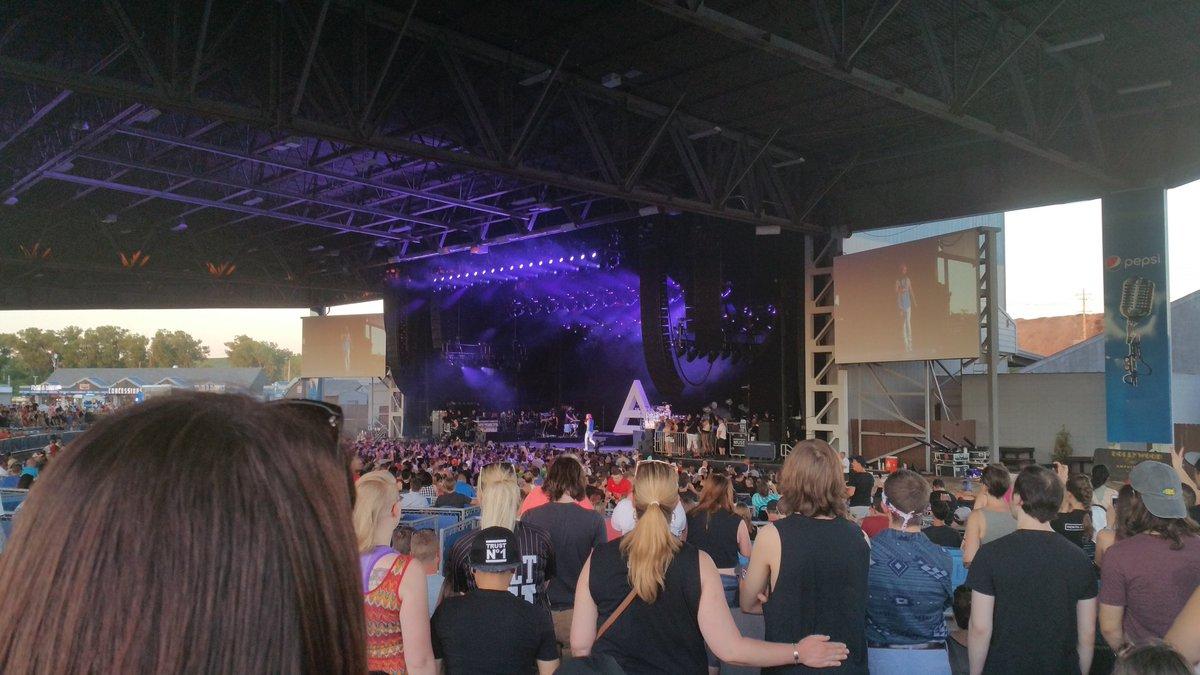 test Twitter Media - One epic concert last night that will not be forgotten. My first @30SECONDSTOMARS experience.@JaredLeto @ThisIsPVRIS @ShannonLeto https://t.co/hGhg3FhNDb