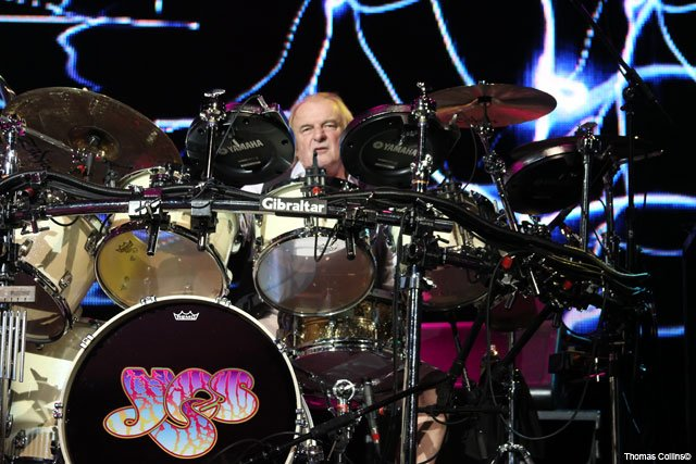 MGK wishes Alan White of a Happy Birthday!