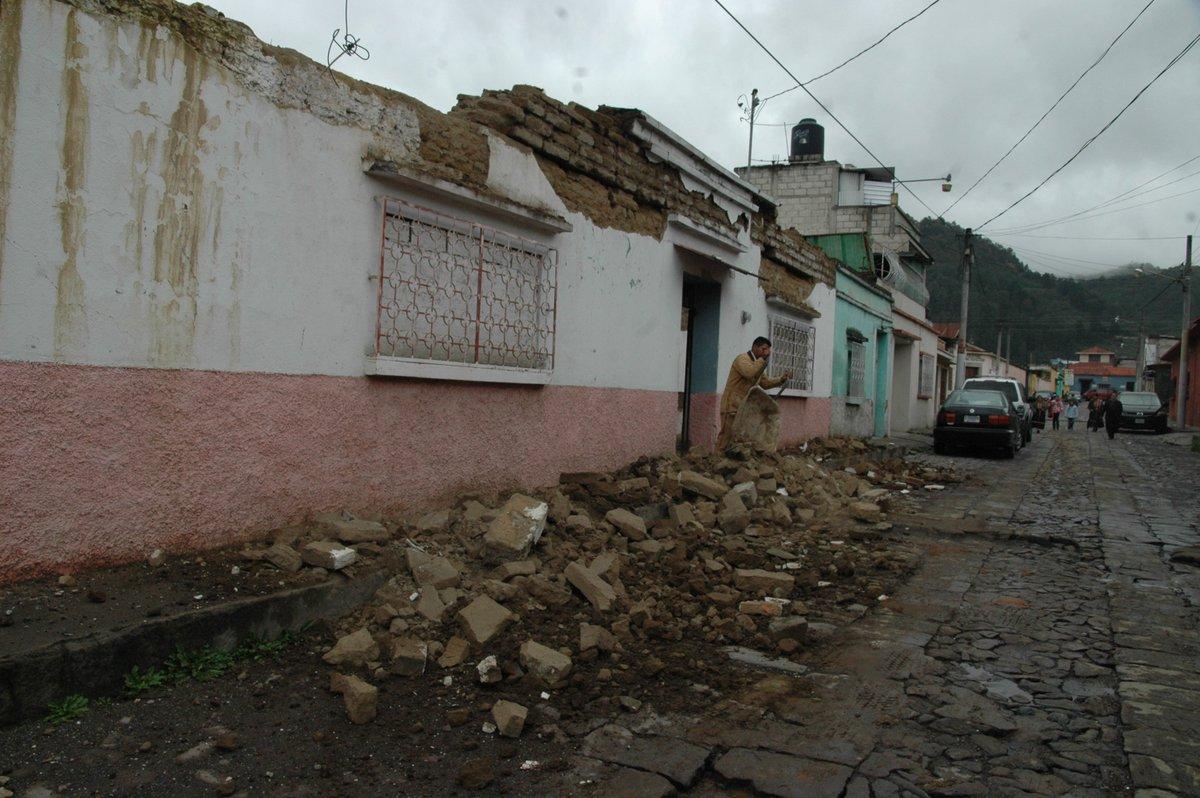 Xelajú con daños severos en casas, sin agua ni luz en algunas partes de la ciudad