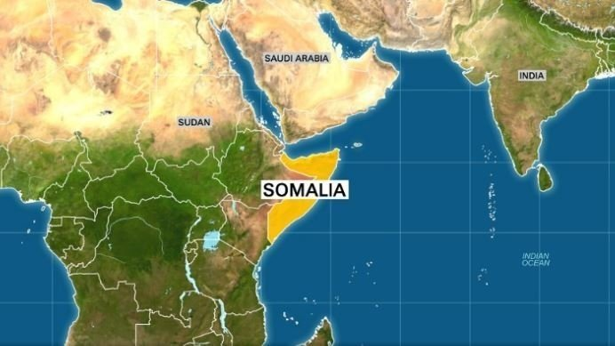 At least 9 dead in car bombing outside Somalia restaurant
