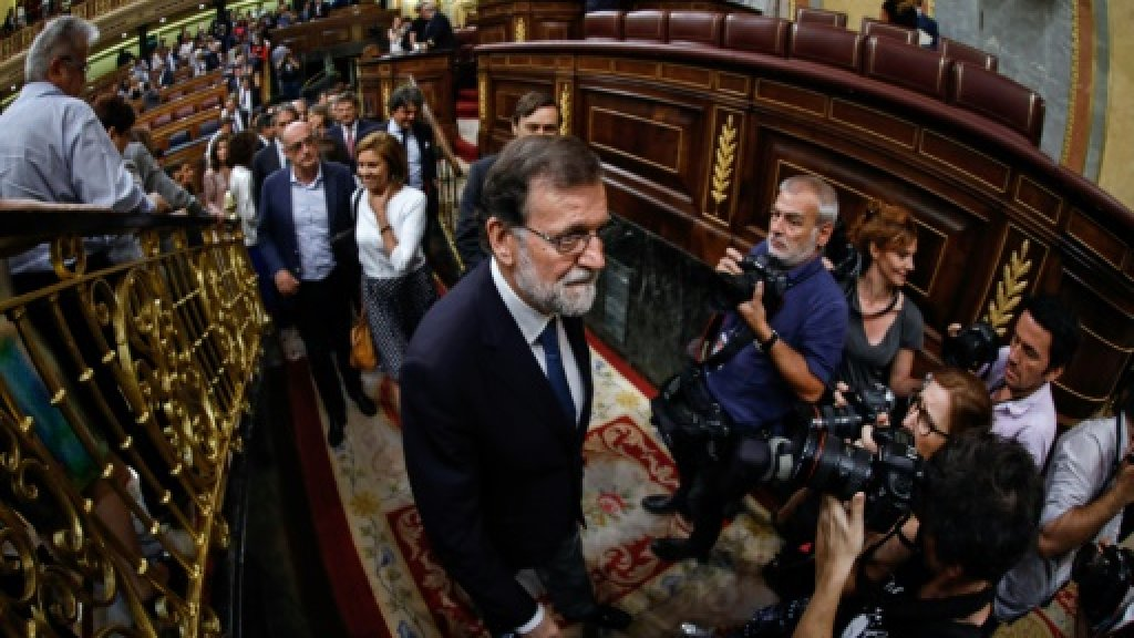Spain's government survives confidence vote over graft