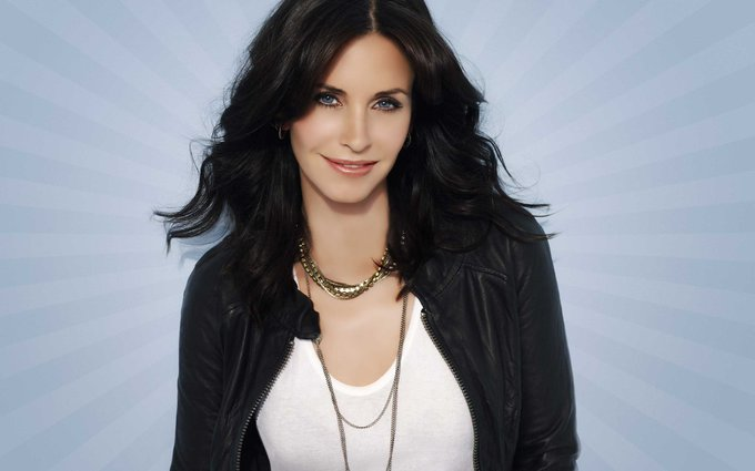 Happy Birthday to Courteney Cox who turns 53 today!