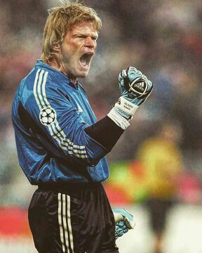 Happy birthday, Oliver Kahn! The only keeper in history to win the FIFA World Cup Golden Ball. Legend.