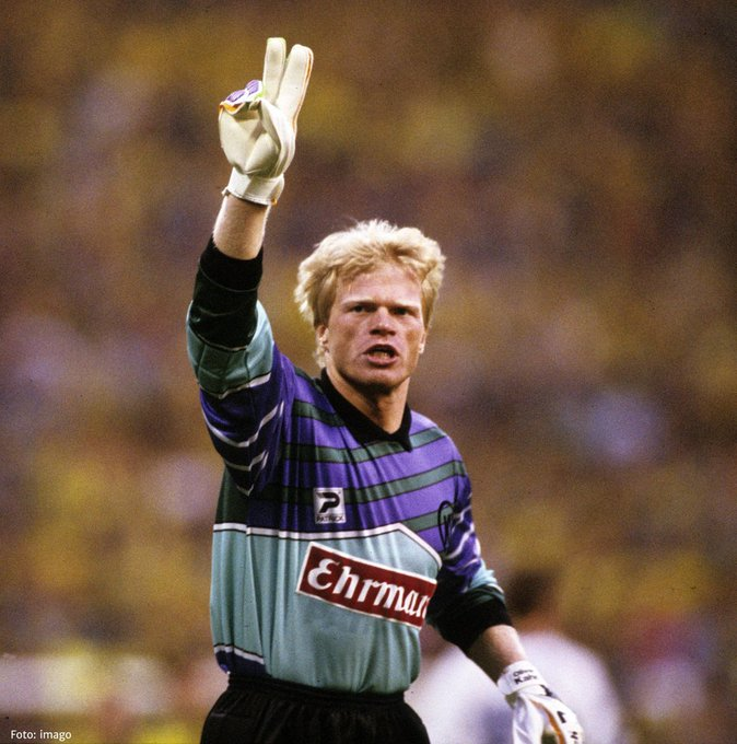 Happy birthday Oliver Kahn The only goalkeeper to win a Golden Ball in World Cup history (2002).