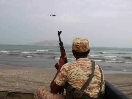 Yemen rebels fire missile at UAE ship