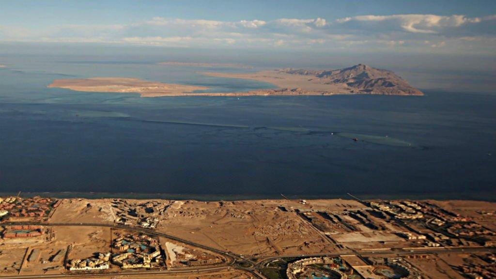 The transfer of two islands to Saudi Arabia sparks turmoil in Egypt