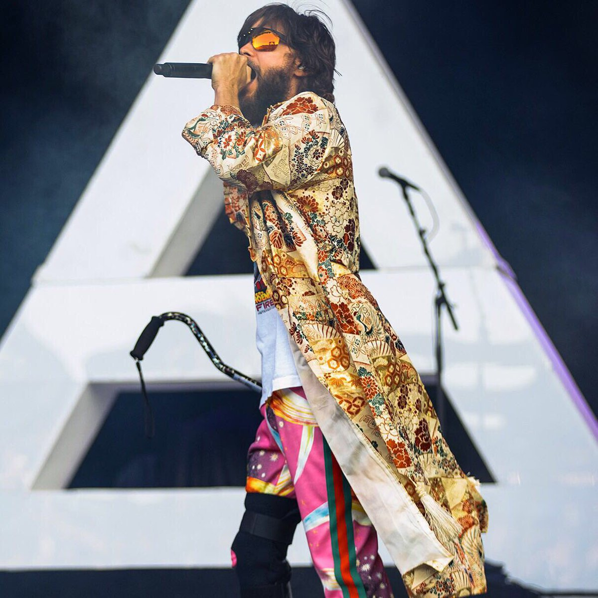 RT @30SECONDSTOMARS: https://t.co/fNWHEQt8yA
