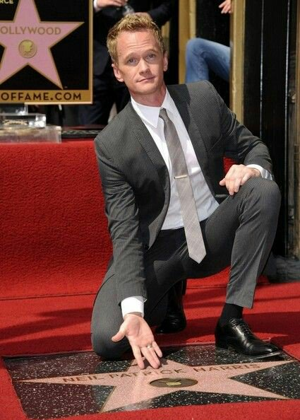 Hoy Neil Patrick Harris cumple... wait for it... 43 años. Happy Bday