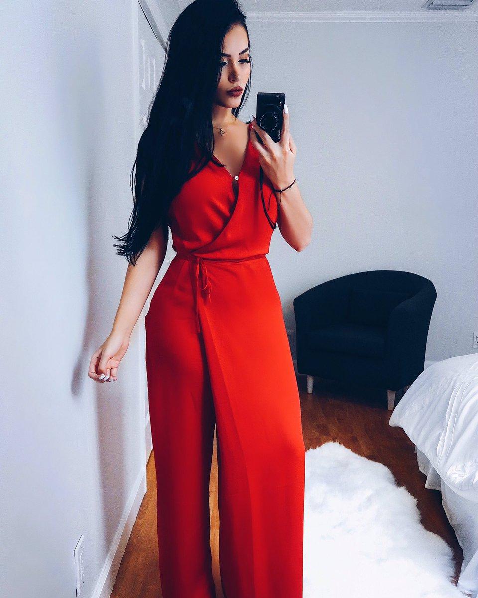 Lady in red 🌹 7HJfBjKFNJ