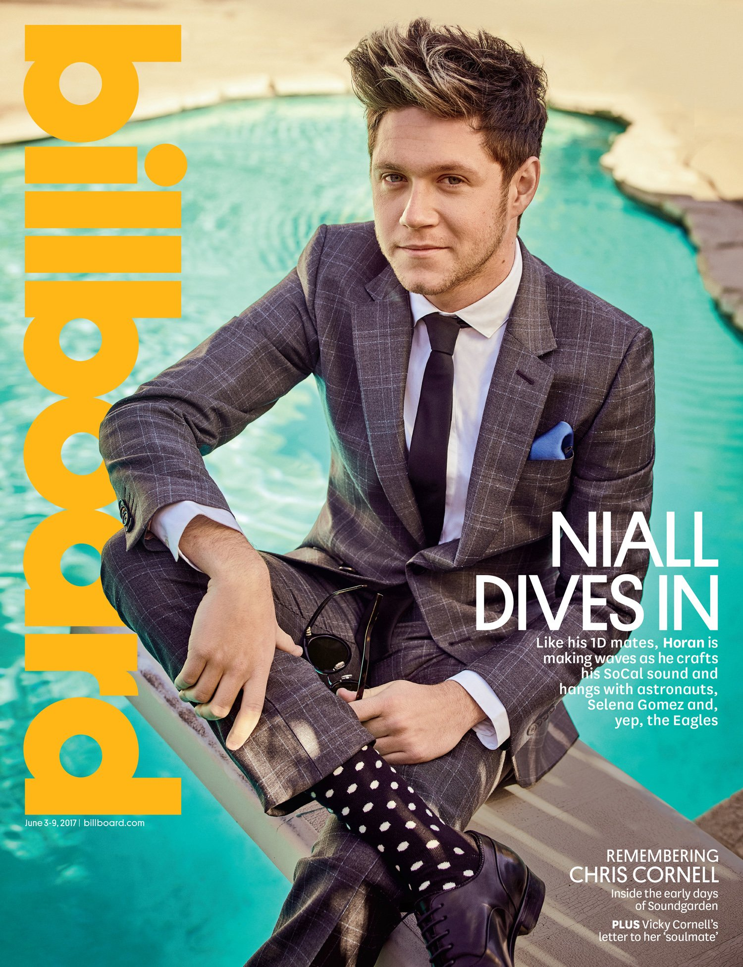 Loving @NiallOfficial in #PaulSmith on the cover of @Billboard last week. https://t.co/lWVVbLj39h https://t.co/KFMvrJowOp