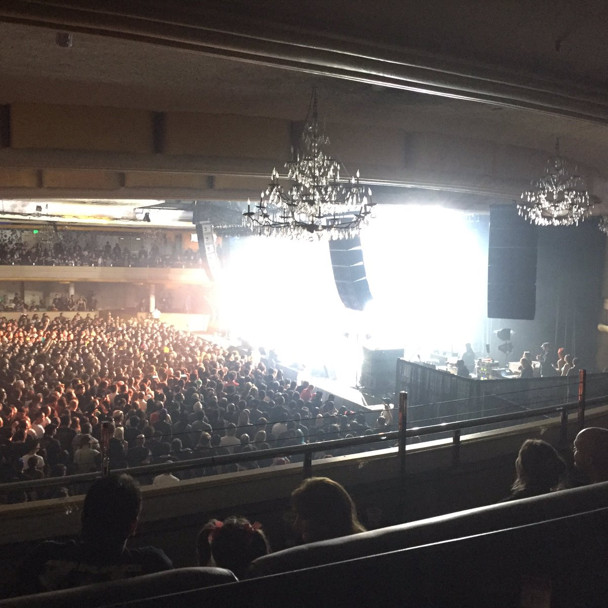 HOLLYWOOD wow you were amazing!! Thank you @BABYMETAL_JAPAN for having us tonight!! 🤘😁🖤 https;//t...